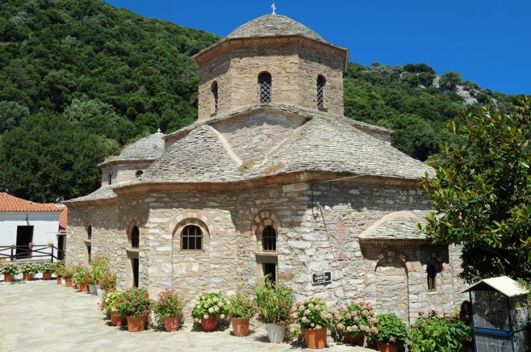 Σκιάθος : Η ιστορική μονή Ευαγγελιστρίας | tovima.gr