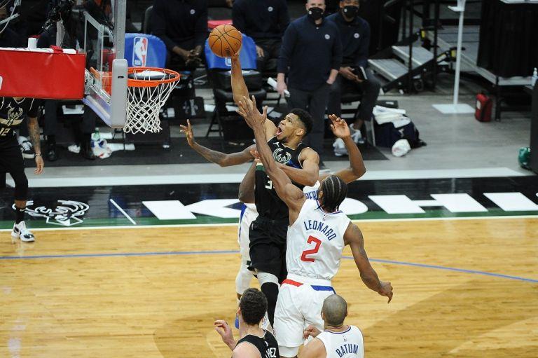 Top 10 του NBA : Οι δύο πρώτες θέσεις ανήκουν στον Γιάννη | tovima.gr