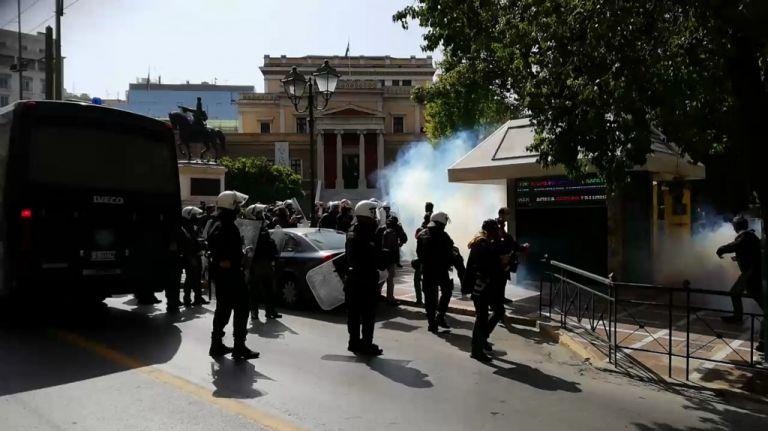 Συγκέντρωση υπέρ Κουφοντίνα στην Αθήνα – Ενταση και χημικά | tovima.gr