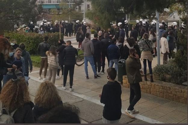 Νέα Σμύρνη: Νέα πορεία το απόγευμα | tovima.gr