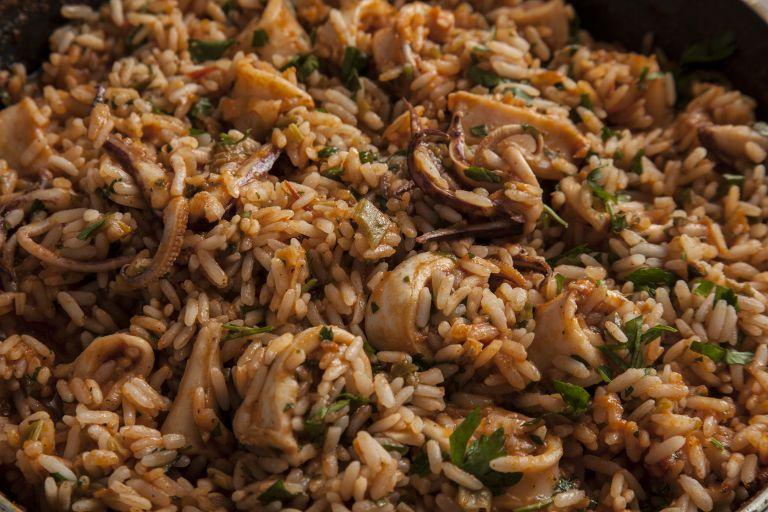 Καλαμαράκια με ρύζι | tovima.gr