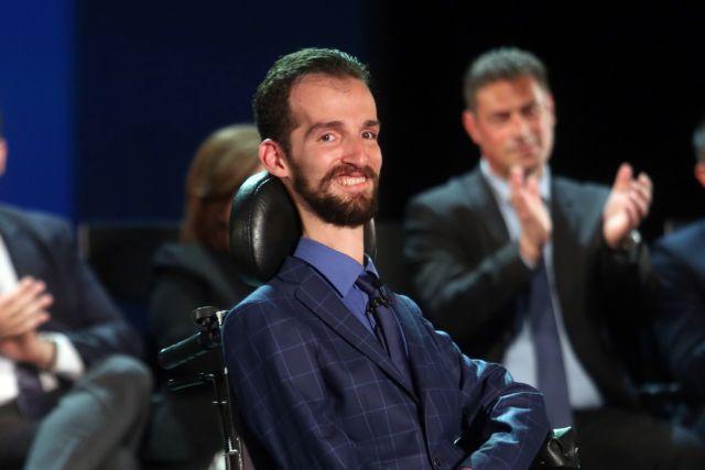Κυμπουρόπουλος : Αν η μάνα μου είχε δει ότι είμαι ανάπηρος, θα με σκότωνε ή όχι; | tovima.gr