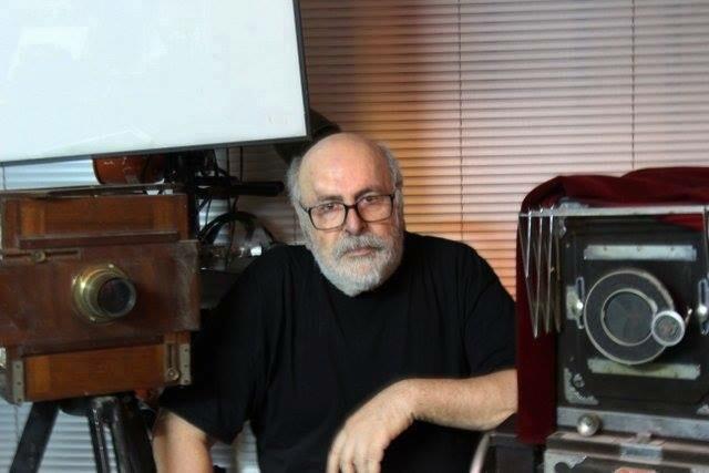 Δημήτρης Αλεξιάδης : Πέθανε ο φωτορεπόρτερ των διασήμων   tovima.gr