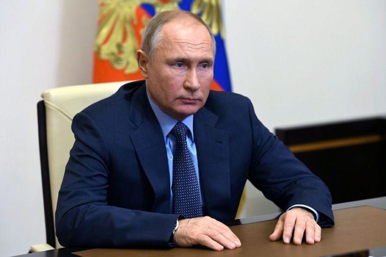 Γιατί ο Πούτιν δεν αποκαλύπτει πoιο εμβόλιο θα κάνει | tovima.gr