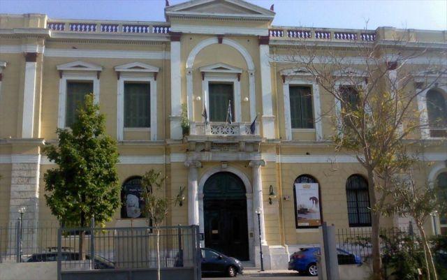 Η Δημοτική Πινακοθήκη Πειραιά τιμά την Επανάσταση του 1821 | tovima.gr