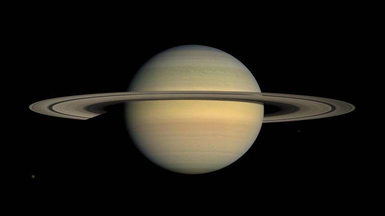 Το διαστημικό τηλεσκόπιο Hubble παρακολουθεί την εναλλαγή των εποχών στον Κρόνο | tovima.gr
