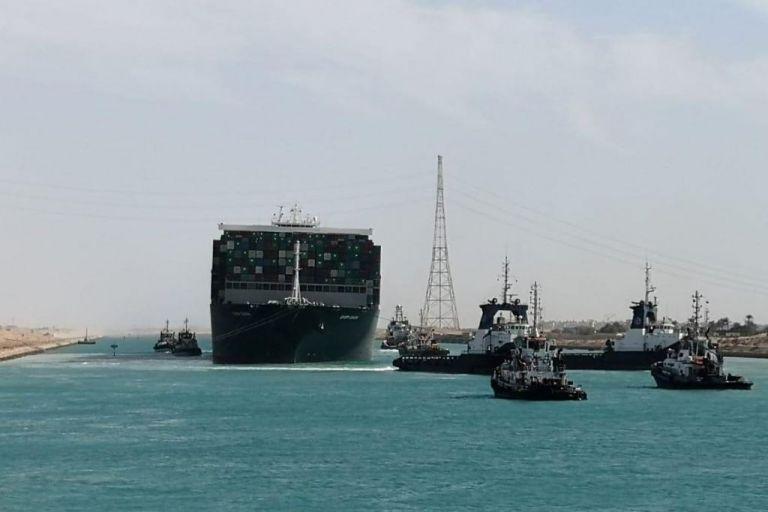 Διώρυγα του Σουέζ : Πέρασαν όλα τα πλοία που ήταν σε αναμονή μετά το «μποτιλιάρισμα» | tovima.gr
