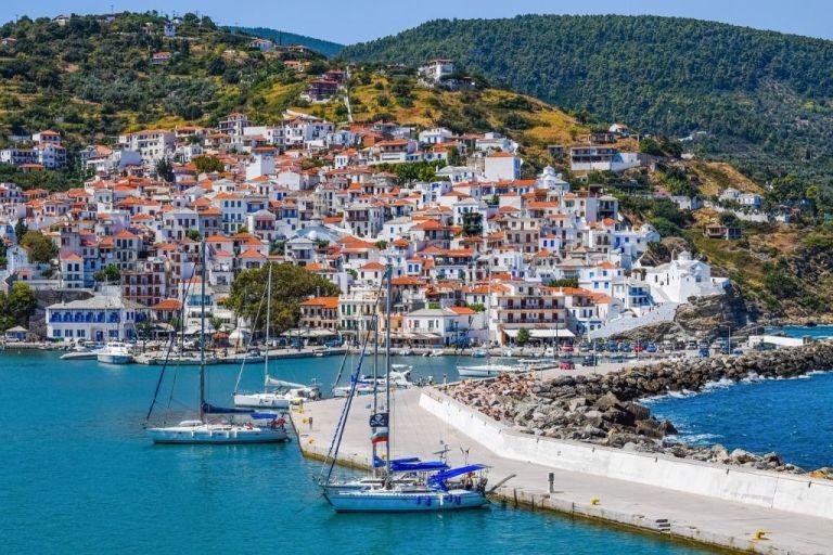 Daily Telegraph : Τα 10 ελληνικά νησιά που είναι ιδανικά για διακοπές μετά την πανδημία   tovima.gr