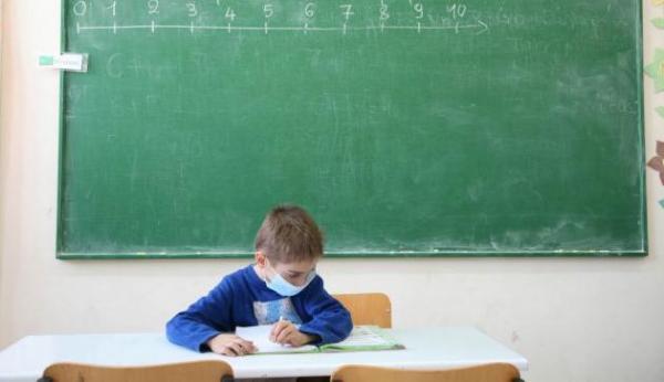 Παρατείνεται το σχολικό έτος για δύο εβδομάδες   tovima.gr