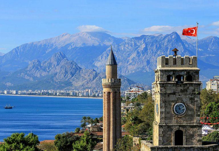 Διπλάσιους τουρίστες και έσοδα 20-25 δισ. αναμένει φέτος η Τουρκία | tovima.gr