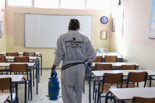 Καπραβέλος :  Με το άνοιγμα των λυκείων θα διευκολυνθεί το άνοιγμα της αλυσίδας διασποράς | tovima.gr