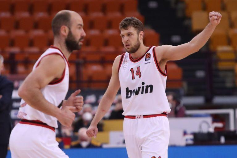 Ολυμπιακός – Χίμκι 82-75 : Με το κεφάλι ψηλά και τον νέο ηγέτη μπροστά | tovima.gr