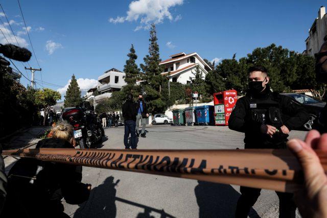 Γιώργος Καραϊβάζ : Συγκλονιστικές μαρτυρίες για τη δολοφονία του δημοσιογράφου – Η χαριστική βολή και οι έρευνες | tovima.gr