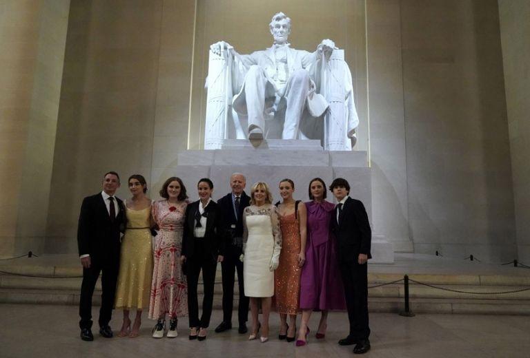 ΗΠΑ : Οι πολλές πλευρές της «πρώτης οικογένειας» | tovima.gr