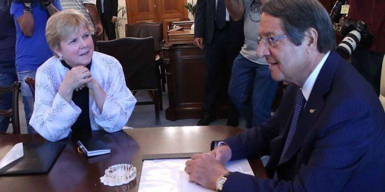 Κυπριακό : Συνάντηση Αναστασιάδη – Λούτ ενόψει της Πενταμερούς | tovima.gr