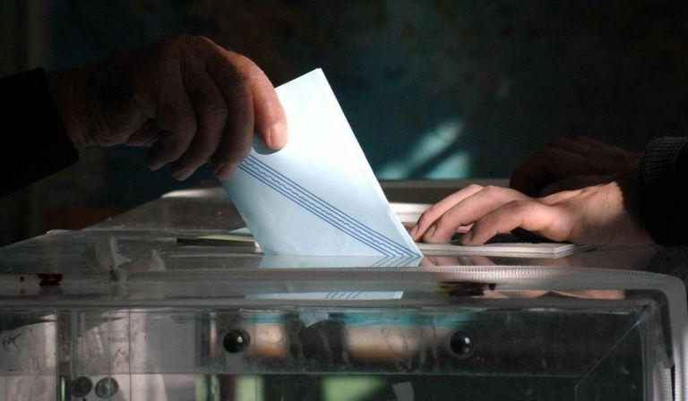 Ψήφος αποδήμων : Τι αλλάζει με το ν/σ Βορίδη – «Φωτιές» στον ΣΥΡΙΖΑ που «άδειασε» Τζάκρη | tovima.gr