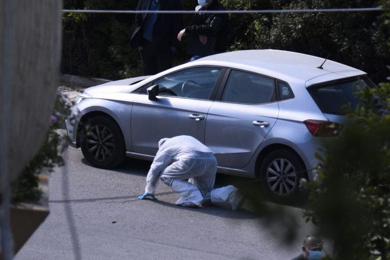 Γιώργος Καραϊβάζ : Ανθρωποκυνηγητό για τη σύλληψη των δολοφόνων – Τα λάθη τους και τα στοιχεία που μπορεί να αποκαλύψουν την ταυτότητά τους   tovima.gr
