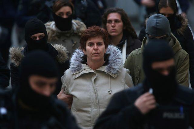 Πόλα Ρούπα : Από ισόβια μειώθηκε σε 6 χρόνια η ποινή της για την επίθεση στην ΤτΕ | tovima.gr