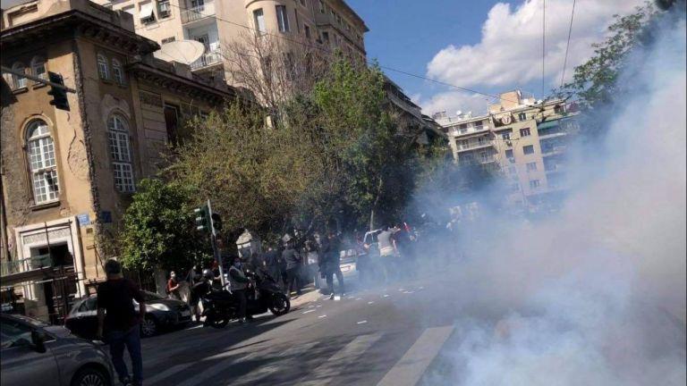 Ένταση έξω από την ΑΣΟΕΕ μετά την φοιτητική πορεία | tovima.gr