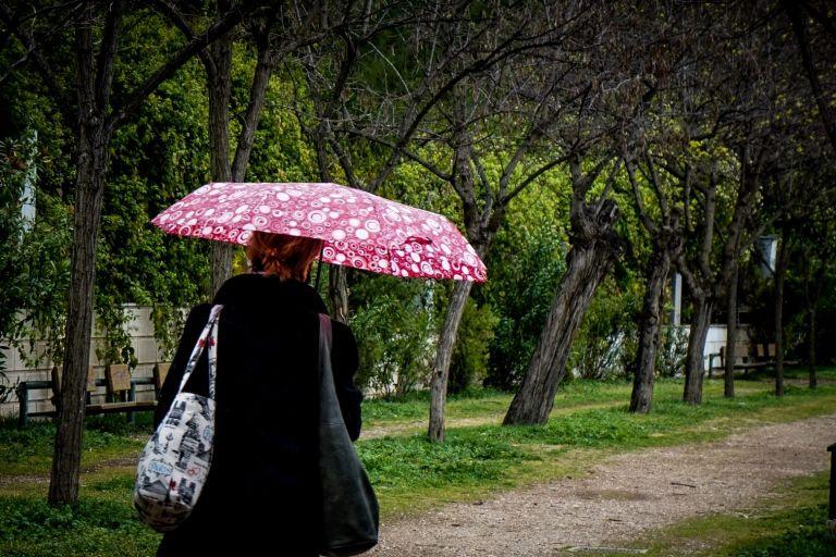 Καιρός : Βροχές και αφρικανική σκόνη το Σάββατο | tovima.gr