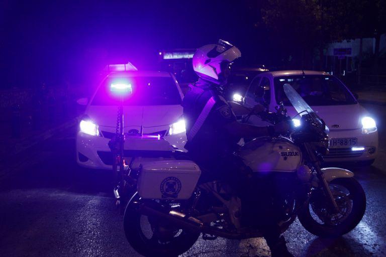 Πυροβολισμοί κατά αστυνομικών στη Νέα Ερυθραία τα ξημερώματα | tovima.gr