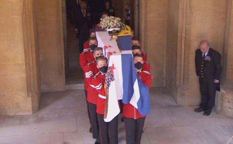 Η Βρετανία αποχαιρετά τον πρίγκιπα Φίλιππο – Δείτε ζωντανά την τελετή | tovima.gr