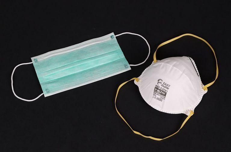 Κορωνοϊός : Εως 80% η προστασία της διπλής μάσκας | tovima.gr