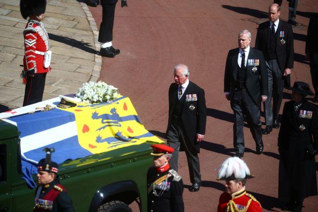 Βρετανία : Αλλαγές στο παλάτι μετά τον θάνατο του πρίγκιπα Φίλιππου – Τι συζητούν Κάρολος – Γουίλιαμ | tovima.gr