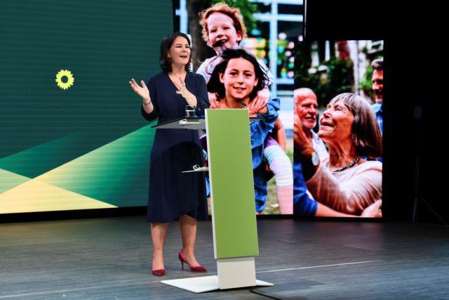 Γερμανία – εκλογές: Στην 40χρονη Αναλένα Μπέρμποκ το χρίσμα των Πρασίνων   tovima.gr