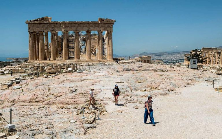 Greece lays groundwork for opening to tourists in make-or-break year for sector   tovima.gr