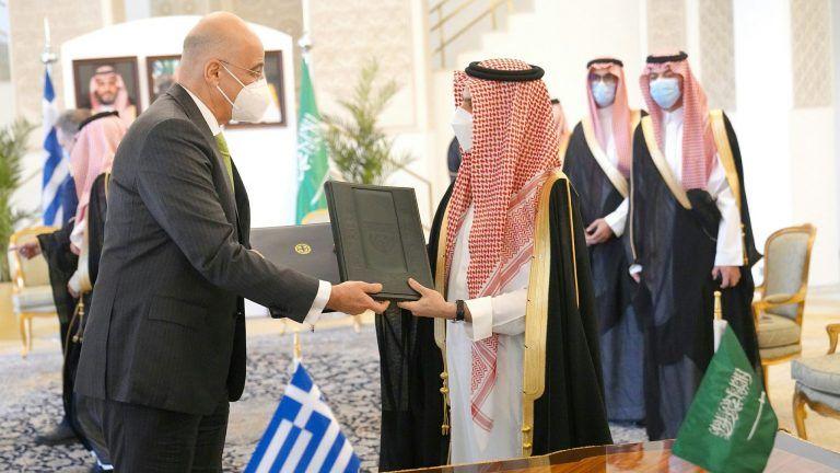 Δένδιας: Ελλάδα και Σαουδική Αραβία αναβαθμίζουν τη διπλωματική και αμυντική συνεργασία τους   tovima.gr