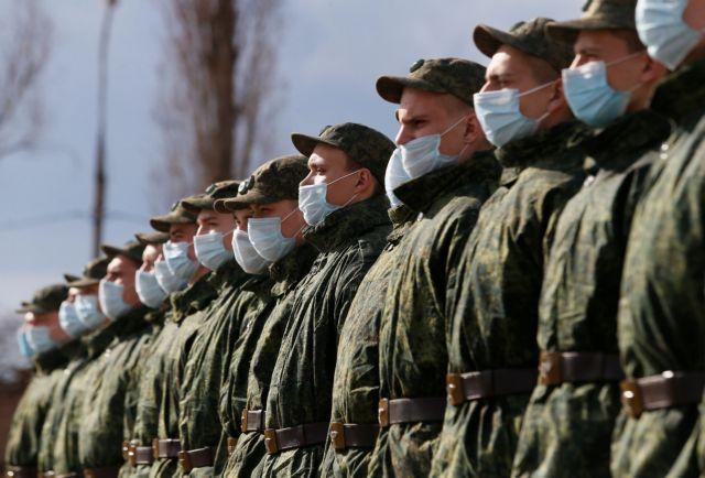 Ουκρανία : Ο πρόεδρος Ζελένσκι καλεί τον Πούτιν σε συνομιλίες στο «ουκρανικό Ντονμπάς» | tovima.gr