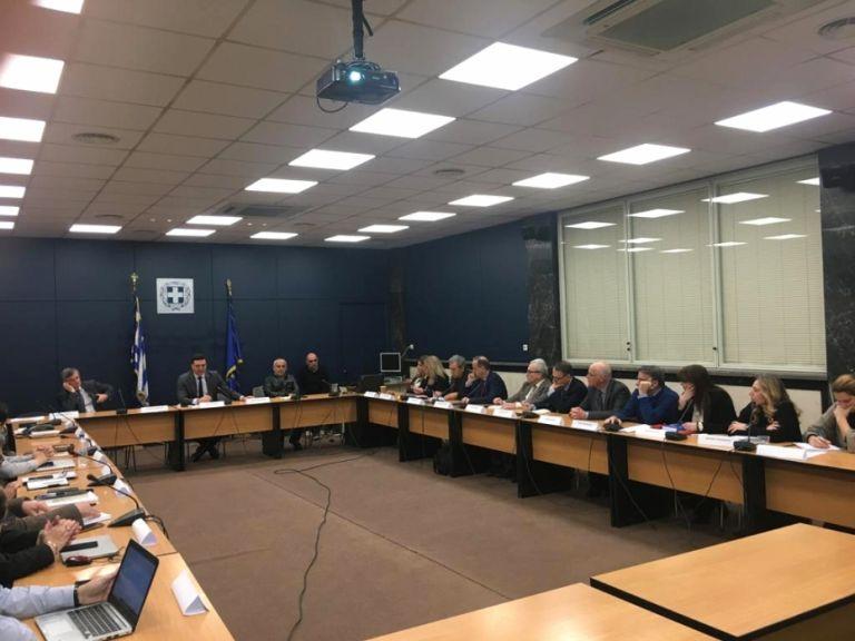 Βουλή: Χαμός με την τροπολογία για την ασυλία της Επιτροπής λοιμωξιολόγων | tovima.gr