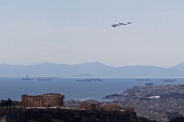 Ηνίοχος 21: Μαχητικά αεροσκάφη πάνω από την Αθήνα | tovima.gr