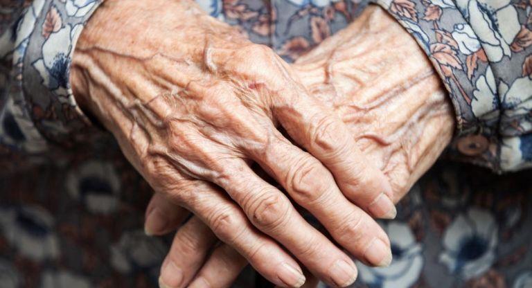 Χανιά: Εκταφή ηλικιωμένης για τα αίτια θανάτου της – Στο στόχαστρο της ΕΛΑΣ ιδιωτικός οίκος ευγηρίας | tovima.gr