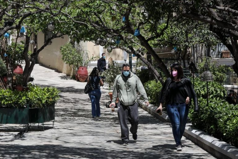 Κορωνοϊός: Η Αττική «δεινοπαθεί» – Η κατανομή των κρουσμάτων στο Λεκανοπέδιο | tovima.gr