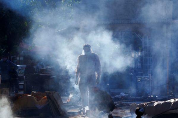 Κορωνοϊός – Ινδία : Ασφυξία από έλλειψη οξυγόνου – Μαύρα ρεκόρ θανάτων, κρουσμάτων – Στέλνουν βοήθεια οι ΗΠΑ | tovima.gr
