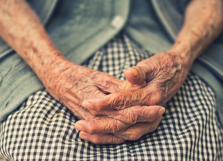 Θεσσαλονίκη: Γιαγιά 103 ετών νίκησε τον κορωνοϊό | tovima.gr