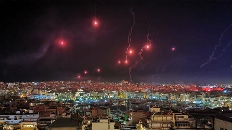 Με πυροτεχνήματα θα γιορτάσει την Ανάσταση ο Πειραιάς | tovima.gr