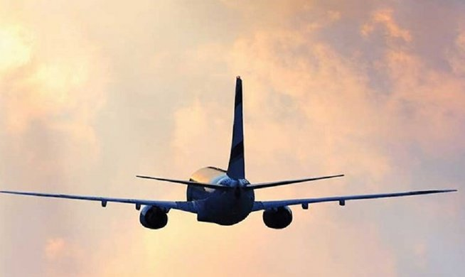 Θρίλερ με αεροσκάφος πάνω από το Ηράκλειο: Πληροφορίες για βόμβα προκάλεσαν αναστάτωση | tovima.gr