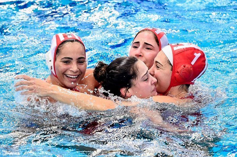 Ολυμπιακός: Το «γεμάτο» Καραϊσκάκη είναι το μπράβο στα κορίτσια   tovima.gr