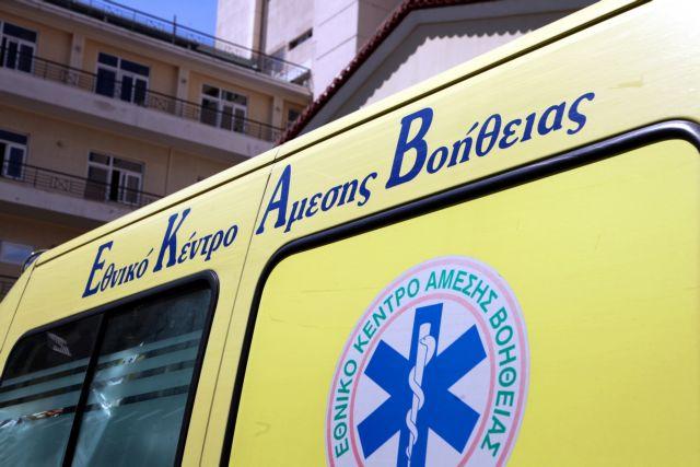 Περιστέρι: Σφοδρή σύγκρουση οχημάτων στη Θηβών – Τραυματίστηκε σοβαρά ένας 21χρονος | tovima.gr