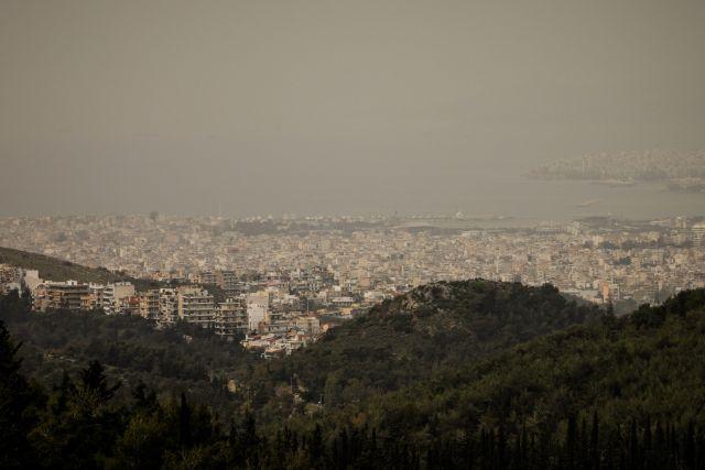 Καιρός: Επιμένει η αφρικανική σκόνη – Πού θα βρέξει την Τρίτη του Πάσχα | tovima.gr