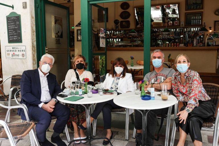 ΠτΔ για εστίαση: «Ξαναζούμε μικρές χαρές της καθημερινότητας που τις θεωρούσαμε αυτονόητες προ πανδημίας» | tovima.gr