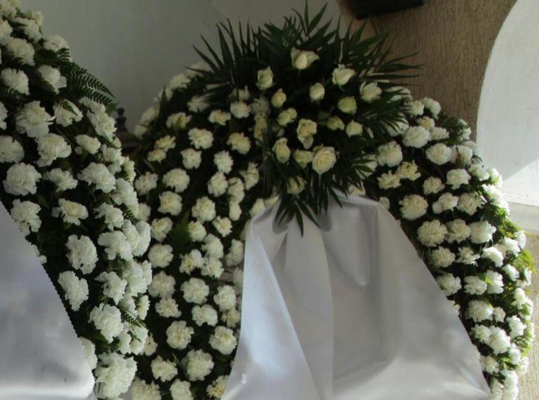 Βαρύ πένθος στην Αιτωλοακαρνανία: Συγγενείς και φίλοι αποχαιρέτησαν την 30χρονη Μαρία   tovima.gr
