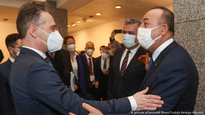 DW: «Η Ελλάδα απέφυγε το τραπέζι των διαπραγματεύσεων» | tovima.gr