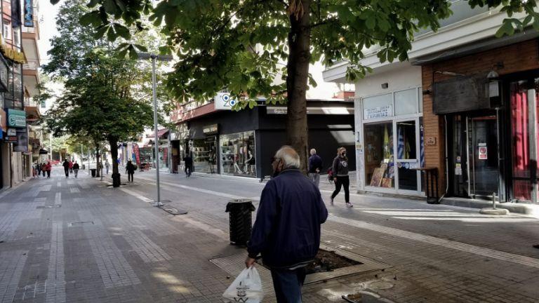 Ποιες περιοχές μπαίνουν σε «βαθύ κόκκινο», ποιες βγαίνουν – Τι είπε ο Χαρδαλιάς   tovima.gr