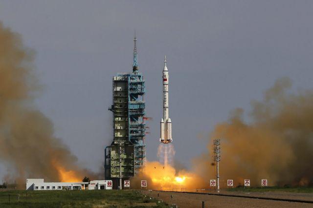 Τέλος συναγερμού για τον κινέζικο πύραυλο – Τελικά έπεσε στον Ινδικό Ωκεανό | tovima.gr