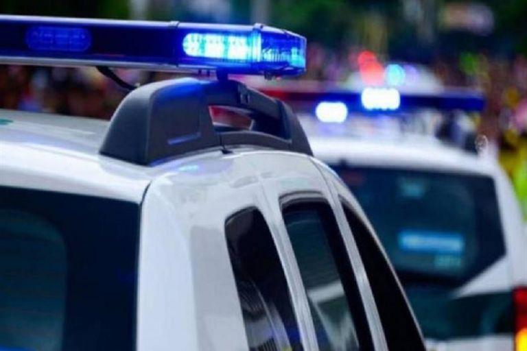 Φρίκη στα Γλυκά Νερά: Δολοφόνησαν μητέρα δίπλα στο μωρό της και τον δεμένο σύζυγό της | tovima.gr