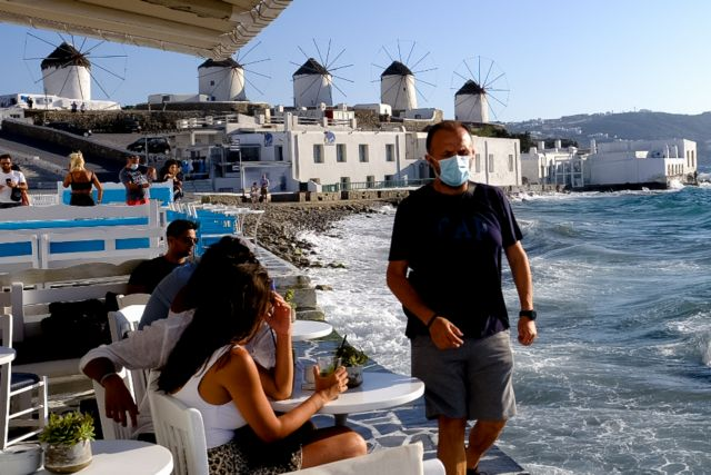 Το lockdown φεύγει… – Τι έρχεται σε εστίαση, λιανεμπόριο, τουρισμό | tovima.gr
